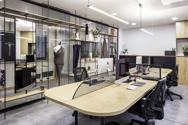 Mẫu văn phòng làm việc của công ty thời trang