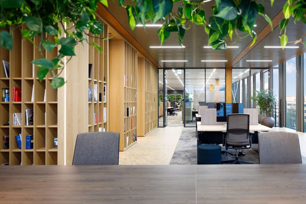 Trang trí phòng làm việc đẹp với nội thất linh hoạt