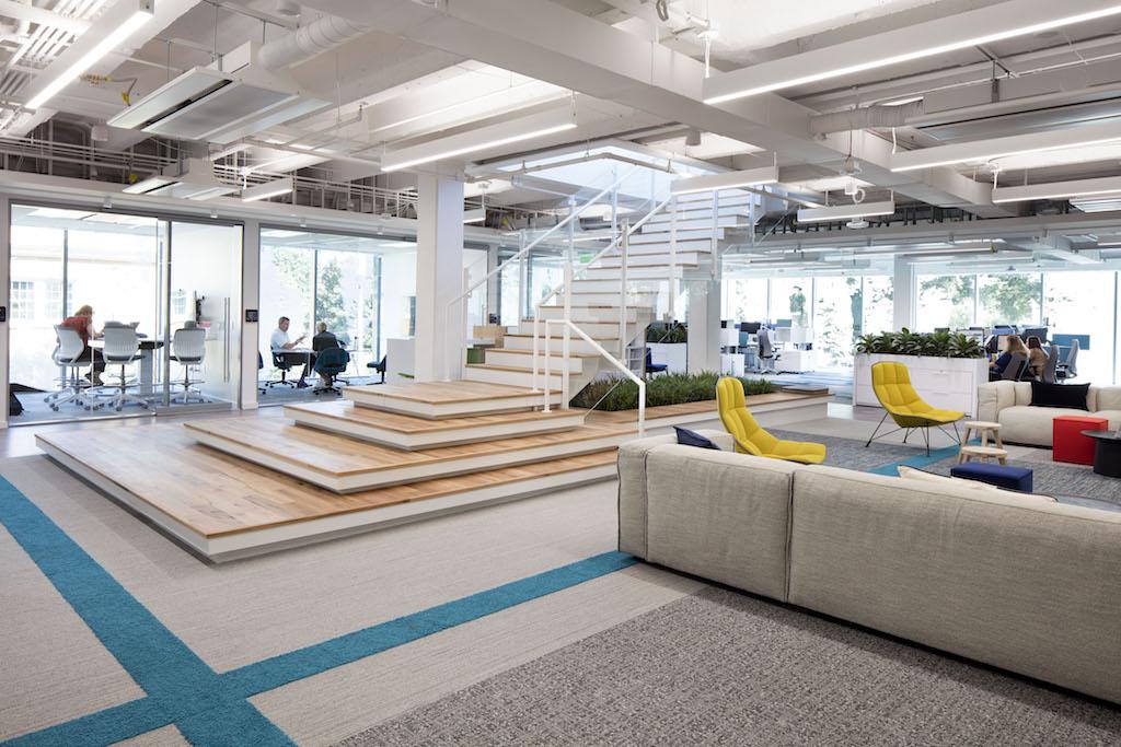 Màu sắc và nội thất trong văn phòng Agile